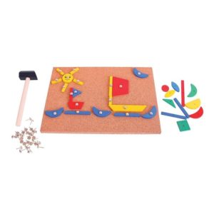 Дървена игра мозайка с чукче и пинчета BigJigs BJ158 (1)