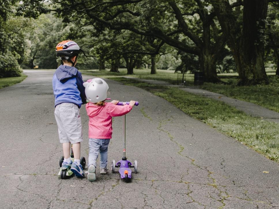 Какво да съобразим, когато избираме детска електрическа тротинетка
